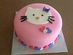 Hello kitty  Between the layers. Sweets by Mandy betweenthelayerstreats@gmail.com