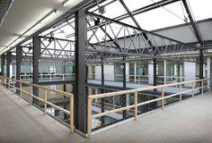 Een 19-de eeuws fabriekspand werd door archipl architecten gerenoveerd tot het nieuwe hoofdkantoor van de Oost-Vlaamse afdeling van het Wit-Gele Kruis.