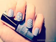 Hearts, dots and daisies over lavender. (via lyndarthemerciless)