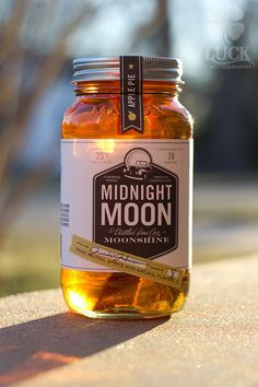 Piedmont Distillery's Midnight Moon Apple Pie Happy Drink, Happy Hour Drinks, Apple Pie Moonshine, Holiday Punch, Wine And Liquor, Drink Specials, Distillery, Yummy Drinks, Food Inspiration