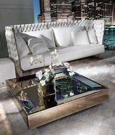 Saloni Del Mobile 2017: Meet Great Novelties By Roberto Cavalli Home Interiors  | www.bocadolobo.com #bocadolobo #luxuryfurniture #exclusivedesign #interiodesign #designideas #SaloneDelMobile #Milan #iSaloni #MDW2017 #salone2017 #designweek #milandesignweek #Milano #fuorisalone