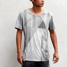 PYRAMID MENS TEE SHIRT - HEATHEN CLOTHING    DESCRIPTION  Pyramids; adored by the pharaohs, the masons, and that guy that designed the dollar