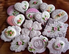 Libuše's Photos - These cookies are just beautiful! Lace Cookies, Flower Cookies, Royal Icing Cookies, Fun Cookies, Cupcake Cookies, Sugar Cookies, Decorated Cookies, Valentine Cookies, Easter Cookies