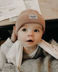 Okay, Jessica Waddell you are making us all really baby hungry right now! 😍 Okay, Jessica Waddell you are making us all really baby hungry right now! Lil Baby, Baby Kind, Little Babies, Little Ones, Cute Babies, The Babys, Baby Outfits, Foto Baby, Baby Family