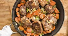 Oxtail soup is a hearty dish that is easy to make. Oxtail is often used on its own to make beef stock for many soup recipes and stews. Oxtail Recipes, Slow Cooker Recipes, Crockpot Recipes, Soup Recipes, Cooking Recipes, Curry Recipes, Game Recipes, Slow Cooking, Amigurumi