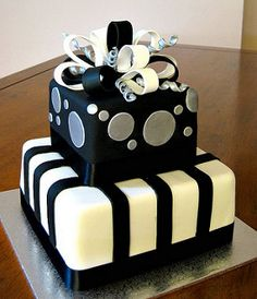 Black & Silver Present 30th Birthday Cake | by esbs cakes