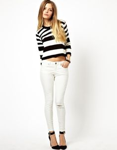 Enlarge ASOS Whitby Low Rise Skinny Ankle Grazer Jeans in White with Ripped Knee Latest Fashion Clothes, Latest Fashion For Women, Casual Wear, Casual Outfits, Ankle Grazer Jeans, Asos, Estilo Denim, Denim And Supply, White Denim
