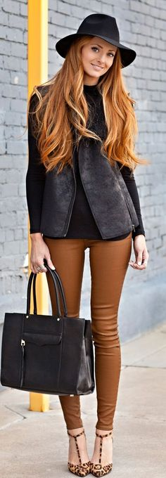 camel / caramel coated jeans. I could pull this off.... Minus the hat.