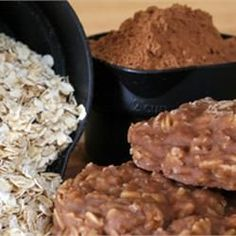 No Bake Chocolate Granola Cookies Parents need easy, quick snacks to prepare for their children that don't cost an arm and a leg. Chocolate Oat Cookies, Granola Cookies, Chocolate Granola, Oatmeal Cookies, No Bake Cookies, Oat Cookie Recipe, Cookie Recipes, Quick Snacks, Quick Easy Meals