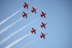 Airshow by Laura Sorina -  Click on the image to enlarge.