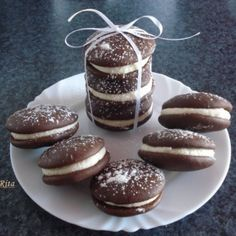 Woopie Pies, Hungarian Recipes, Hungarian Food, Eat Dessert First, Pavlova, Confectionery, Dessert Table, Oreo, Cheesecake