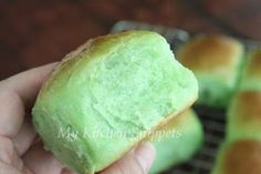 I bought a few of Alex Goh baking books when I went back to Malaysia last year but have yet to bake anything from it. Finally, I tried out h...