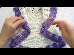 Crochet Dollies - Bolero circular con espiral a crochet Crochet Jacket Pattern, Crochet Coat, Crochet Cardigan, Crochet Shawl, Crochet Baby Sweaters, Crochet Clothes, Baby Girl Crochet, Crochet For Kids, Crochet Designs