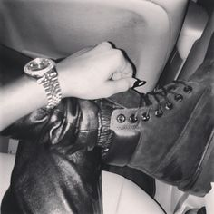 BALL OUT Zendaya Nails, Zendaya Coleman, Lady And Gentlemen, Class Ring, High Top Sneakers, Instagram Posts, Fashion, Moda, Fashion Styles