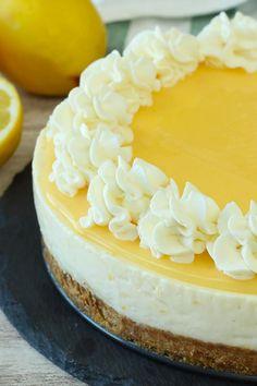 No-Bake Lemon Cheesecake - Recetas No Bake Desserts, Dessert Recipes, Baking Recipes, Lemon Cheesecake Recipes, Mango Cheesecake, Homemade Cheesecake, Classic Cheesecake, Rhubarb Cake, Digestive Biscuits
