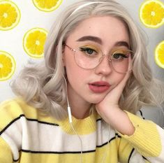 Ideas Fruit Wallpaper Photography Posts For 2019 - Fruit / - Fruit Aesthetic Hair, Aesthetic Makeup, Aesthetic Photo, Tumblr Make Up, Tumblr Girls, Pelo Multicolor, Girls Makeup, Ulzzang Girl, Cute Hairstyles