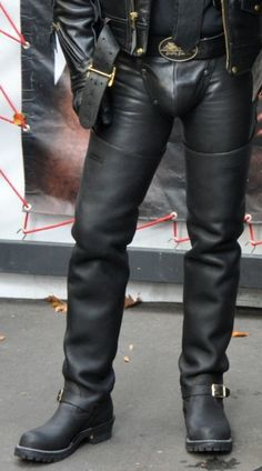 I remember when everyone had to have crotch boots. Didn't always work, but these look good Mens Leather Pants, Tall Leather Boots, Biker Leather, Tall Boots, Black Leather, Black Boots, Crotch Boots, Comfy Pants, Fashion Boots