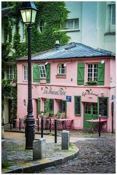 La Maison rose cafe, Monmartre,Paris