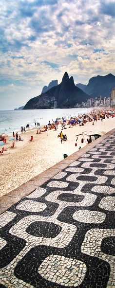 25 Most Beautiful Crystal Clear Water Beaches in the World Ipanema Beach, Brazil - this is exactly what it looks like too.. the best beach in Rio for sure.