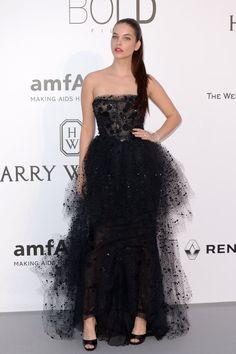Pin for Later: Die Stars haben sich die besten Outfits für die amfAR Gala aufgehoben Barbara Palvin in Armani Privé
