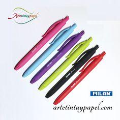 Bolígrafo Milan Touch punta 1mm. Con un diseño original y bonito opaco con tacto de goma lo que nos proporcionará una mayor comodidad. Sistema retráctil para utilizar de una forma más rápida. Disponible en varios colores .