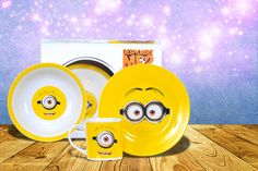 Despicable Me Minion Breakfast Set Despicable Me 2 Minions, My Minion, Things To Buy, Stuff To Buy, Fun Things, Breakfast Set, Wonderful Things, Icon Design, Are You Happy