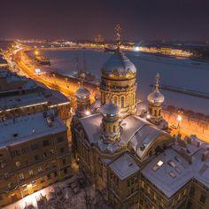 Успенская церковь и снежный Санкт-Петербург  St. Petersburg