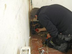 Learn More about our Intensive Plumbing Course in our website: http://www.coventrybuildingworkshop.co.uk/intensive-courses-plumbing/  Like Us On Facebook: https://www.facebook.com/CoventryBuildingWorkshopLtd?ref=hl  Follow Us on Twitter: https://twitter.com/CBWCWW  Subscribe to Our Channel on YouTube: http://www.youtube.com/user/CBWCWW  Do Not Forget to Share, Like or Comment!