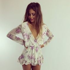 Stylish Floral Romper This Is Better Idea For summer Outfit Estilo Fashion, Look Fashion, Fashion Beauty, Fashion Outfits, Fashion Ideas, Summer Outfits, Cute Outfits, Moda Chic, Floral Romper