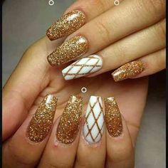 Here's the perfect nail color for you, according to your #zodiacsign based on #astrology #Leo