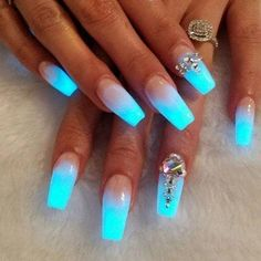 Ombre Nails – 175 Best Ombre Nails Ombre nail are goals ladies! Finding the very best ombre nails make us happy in life. There is just something about the color transitioning featured in ombre nails that offer an amazing perspective… Fancy Nails, Trendy Nails, Nice Nails, Glow Nails, Dark Nails, Cute Acrylic Nails, Cute Nail Designs, Creative Nails, Gorgeous Nails
