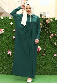 Eflal candy Ferace Zümrüt 9529 Burqa Fashion, Moslem Fashion, Hijab Fashion, Girl Fashion, Fashion Dresses, Muslim Dress, Hijab Dress, Modele Hijab, Hijab Style