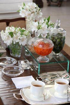 Anfitriã - Como receber em casa - decoração - Mesa. Receber bem. Café.