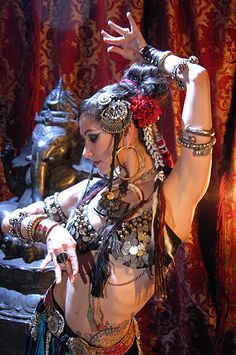 Posted by Sifu Derek Freason Belly Dance Makeup, Belly Dance Outfit, Belly Dance Costumes, Danza Tribal, Tribal Belly Dance, Tribal Fusion, Gypsy Culture, Rachel Brice, Cultural Dance