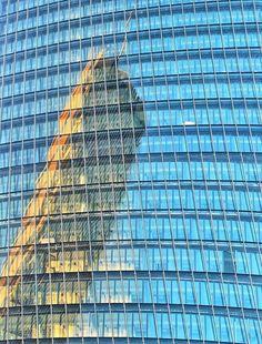 Buongiorno #Milano RIflessi...molto alti! Foto di Andrea Cherchi #milanodavedere Milano da Vedere