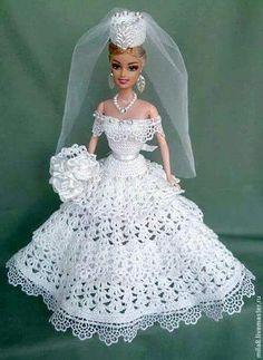 Résultat d'images pour barbie crochet ball gown patterns free Barbie Kleidungsmuster, Free Barbie, Barbie Bridal, Barbie Wedding Dress, Wedding Doll, Barbie Dress, Barbie Outfits, Doll Dresses, Barbie Crochet Gown