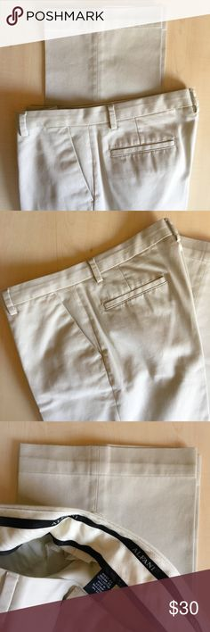 Alfani Men's Beige Dress Pants NWOT Alfani Dress Trouser Slacks In immaculate condition!  Size: 33X32 Material: 100% Cotton  -K- Alfani Pants Dress