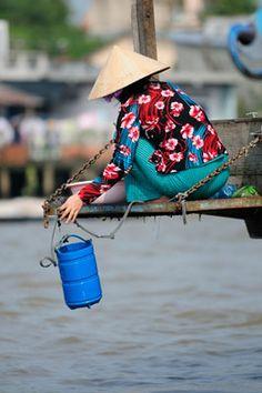 Hauling water . Vietnam