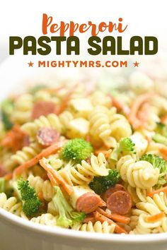 This Mini Pepperoni Pasta Salad recipe is the perfect side dish for any time of year. Bring this to your next potluck, feeds a crowd or makes a great side dish with dinner. Made with rotini pasta, mini pepperoni, mozzarella and colby jack cheese, raw broccoli, matchstick carrots and Italian dressing. Salad Supreme seasoning gives this extra flavor. Quick and easy to make! A classic pasta salad recipe that's kid-friendly. Great as an easy side dish or meal prep this Italian pasta salad for lunch. Vegetarian Pasta Salad, Easy Pasta Salad Recipe, Pasta Salad Italian, Easy Salad Recipes, Easy Salads, Lunch Recipes, Pasta Recipes, Sauce Recipes, Drink Recipes