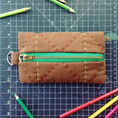 One of my favorite pieces! Hand sewn canvas pouch with embroidery D-ring hardware & locking brass YKK zipper in Kelly Green (also green satin interior!) Perfect for packing up some other green things ;)  . . . #ZipperPouch #YKKZipper #HandSewn #MadeByMe #XOXOCedarRose #MadeInTheUSA