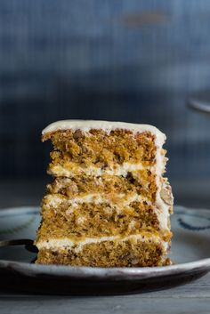 This easy carrot cake recipe is light, moist and topped with a delicious vanilla…