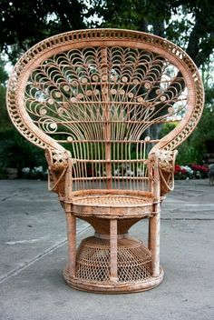 Vintage i love how the peacock chair frames the person sitting in it. I want one-Darcie we need these! - All photos courtesy of Linda Grasso of ShesezA vintage wicker peacock chair. (above)Good friend Linda. Outdoor Garden Furniture, Rattan Furniture, Vintage Furniture, Furniture Design, Painting Wicker Furniture, 70s Furniture, Sims 4 Cc Furniture, Automotive Furniture, Automotive Decor