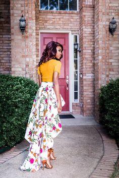 Cet ensemble de jupe High Low est un fabuleux moyen pour apporter un goût de la culture à n'importe quelle tenue. La ceinture est un haut bas entièrement doublé avec un tissu solid assorti et peut être portée avec une tenue monochrome ou jumelée avec la jupe crayon assorti. Nous