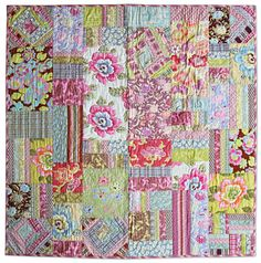"Free Easy quilting pattern ~ ""original Gypsy Caravan (Amy Butler) Fat Quarters Quilt"""
