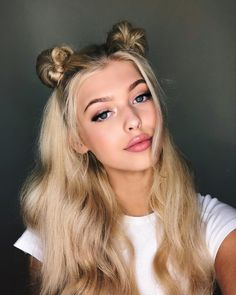 Cute summer hairstyle - Hair and Beauty eye makeup Ideas To Try - Nail Art Design Ideas Hair Inspo, Hair Inspiration, Summer Hairstyles, Cool Hairstyles, Two Buns Hairstyle, Photographie Portrait Inspiration, Corte Y Color, Loren Gray, Hair Goals
