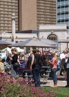 Civic Center Eats in Denver! Outdoor food trucks, music, sunshine! What more can you ask for at lunch time?