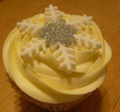 almond snowflake muffin