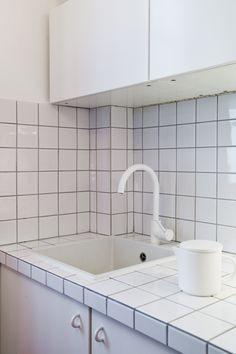 Vue cuisine/évier/plan de travail/crédence