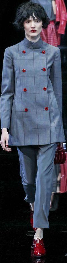 Emporio Armani Fall 2015 Ready-to-Wear Collection Photos - Vogue Suit Fashion, Fashion Show, Fashion Design, Emporio Armani, Giorgio Armani, Armani Collection, Milano Fashion Week, Milan Fashion, Armani Prive