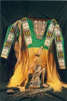 Native American Shirts, Native American Beadwork, American Indians, Indian Male, Native Indian, Native Art, Male Clothing, Loom Bracelets, Native Americans